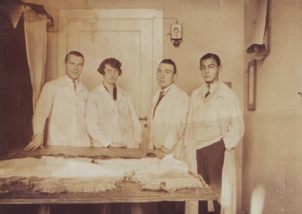 mitarbeiter_pelzhaus_monopol_1928 GOLDFINGERS - IMAGES