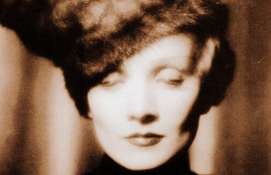 fur-hat-936full-marlene-dietrich-001 ΧΡΥΣΑ ΧΕΡΙΑ - DE